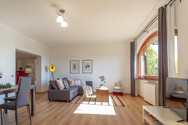 La Grande Finestra di Chiusi - Appartamento moderno, vacation rental in Chiusi