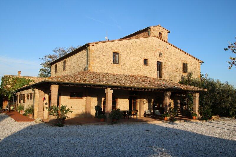 Podere Campo alle Serpi - voormalig klooster dicht bij het strand, vacation rental in Bibbona