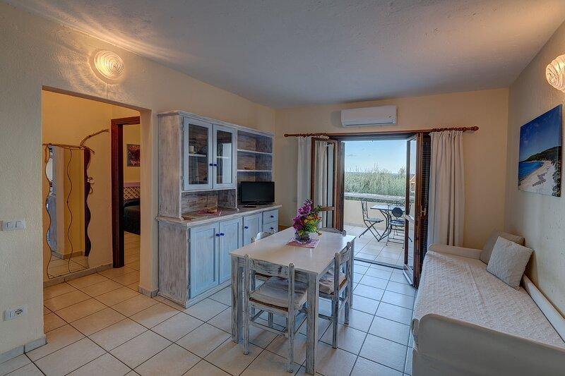Appartamento trilocale 6 persone - Baia de Bahas Residence, aluguéis de temporada em Marinella