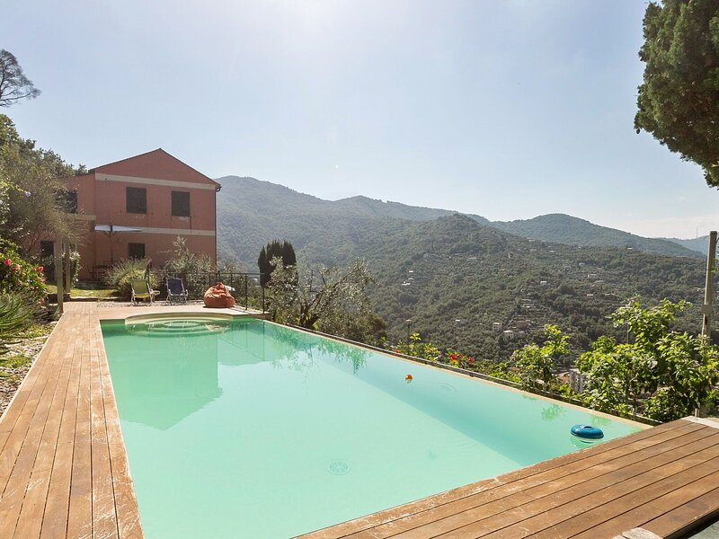 Dreamy Holiday Home in Recco with Swimming Pool, vacation rental in Avegno
