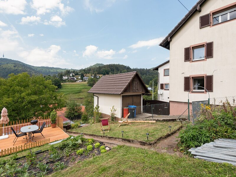 Soothing Apartment in Malsburg-Marzell with Private Garden, holiday rental in Tegernau