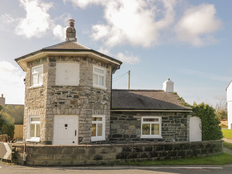 The Old Toll House, Valley, location de vacances à Llanfachraeth