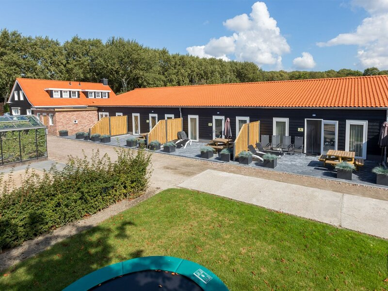 Stylish Holiday Home in Oostkapelle with Terrace, holiday rental in Aagtekerke