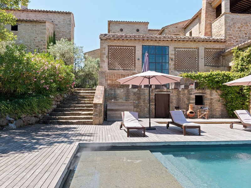 Lovely Apartment in Anghiari with Swimming Pool, vacation rental in Le Ville