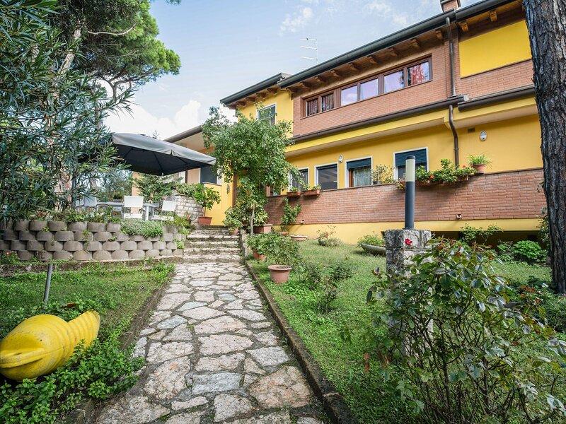 Lovely Apartment in Rosolina Mare near Sea, vacation rental in Sant'Anna di Chioggia