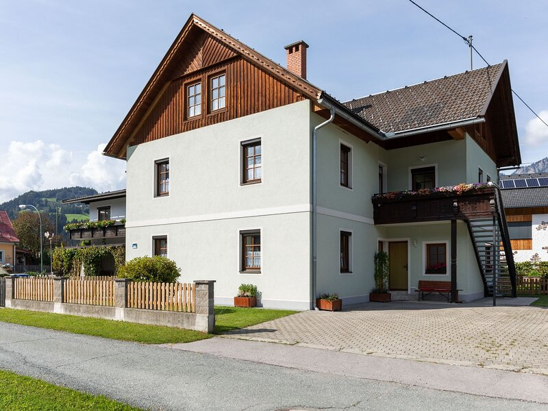 Comfortable Apartment in Kötschach-Mauthen with Sauna, holiday rental in Kotschach