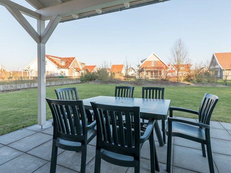 Luxurious villa, washer & sauna in Maasduinen area, alquiler vacacional en Swolgen