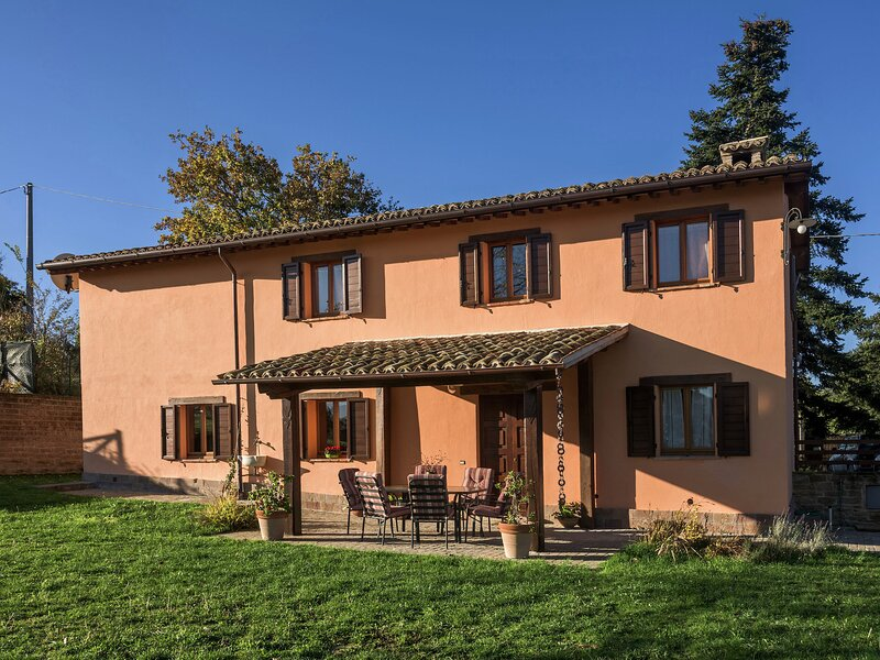 Luxury villas located close to the Monti Sibillini, holiday rental in Pievebovigliana