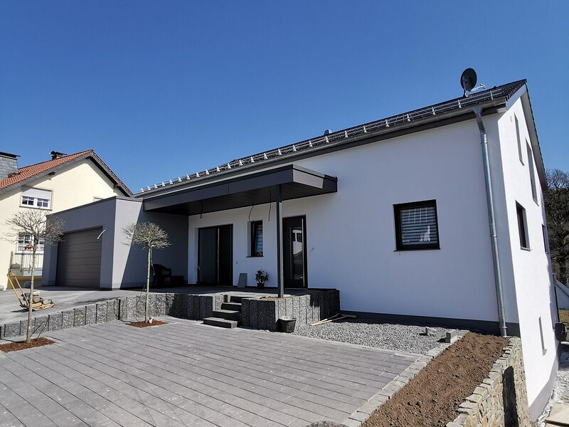 Refined Apartment in Bleialf with Skiing nearby, holiday rental in Prüm