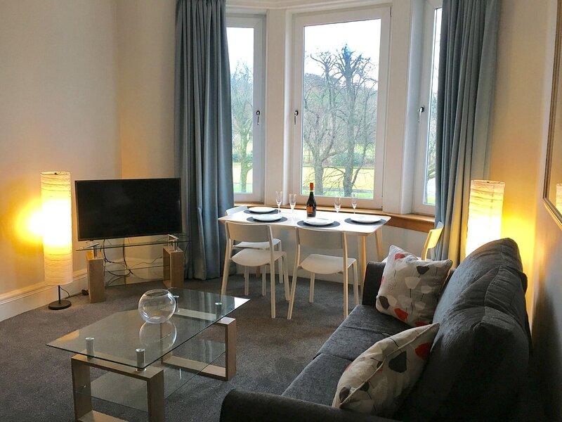 Amazing Cottage in Glasgow near Glasgow Club Bellahouston, Ferienwohnung in Giffnock