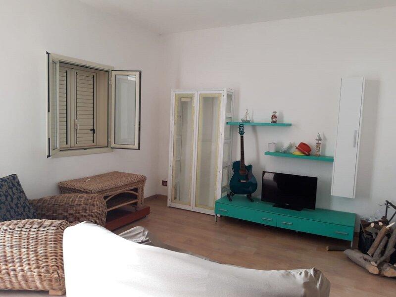 Simplistic Villa in Scoglitti near Seabeach, vacation rental in Scoglitti