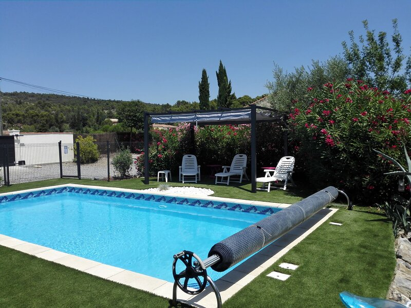 Charming Villa in Azillanet with Private Swimming Pool, alquiler vacacional en Beaufort