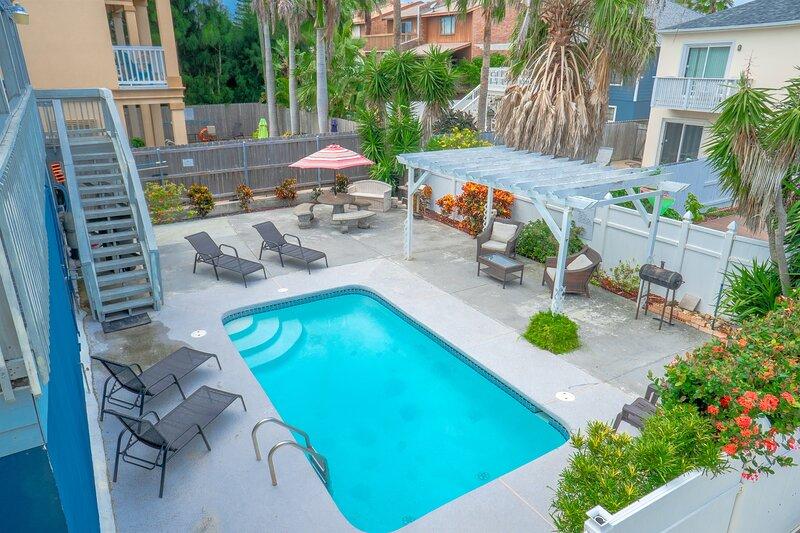 Casa Malbec B - Awesome 2 Bedroom - Walk to the Beach - Swimming Pool - Wifi, location de vacances à Île de South Padre