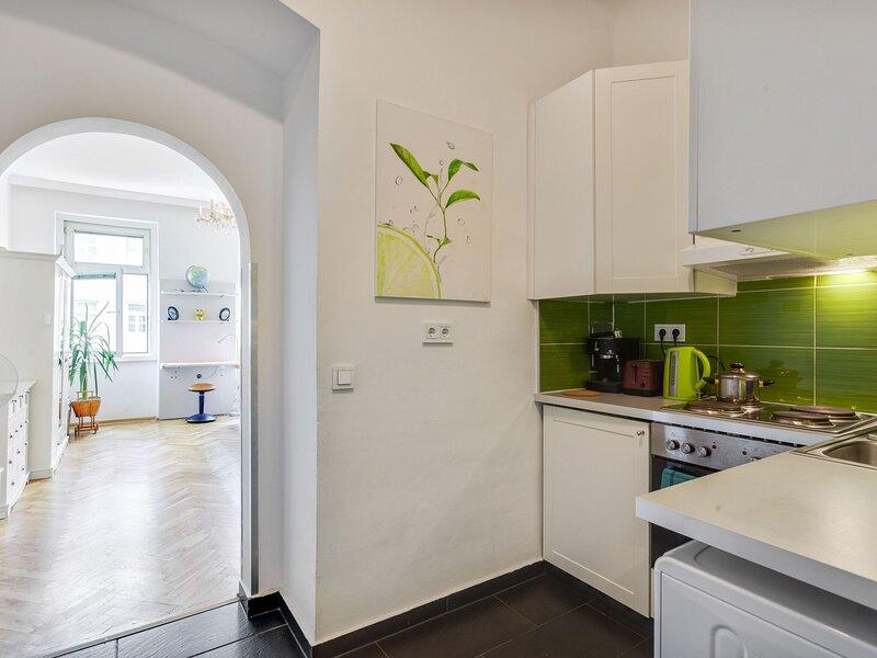 Quiet Apartment in Vienna near Danube, holiday rental in Gerasdorf bei Wien