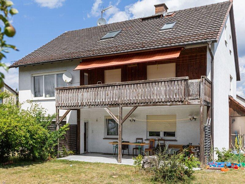 Charming Apartment in Fuldabrück with Garden, aluguéis de temporada em Niestetal