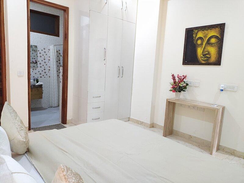 Hostie Eva Drams, vacation rental in Gurugram (Gurgaon)