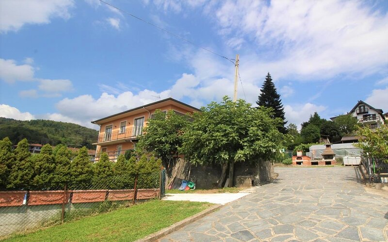 Uncle Enrys house - Family house, vacation rental in Armeno