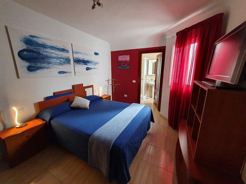 Habitación matrimonial con baño privado en Tenerife, vacation rental in San Cristobal de La Laguna