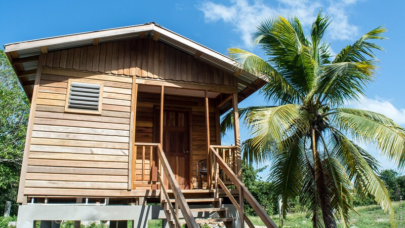 Wooden deluxe bungalow, holiday rental in Corozal