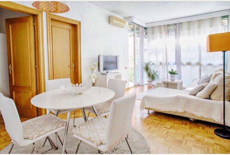 ApartmentBCN  4 habitaciones con 2 baños y terraza. – semesterbostad i Sant Cugat del Valles