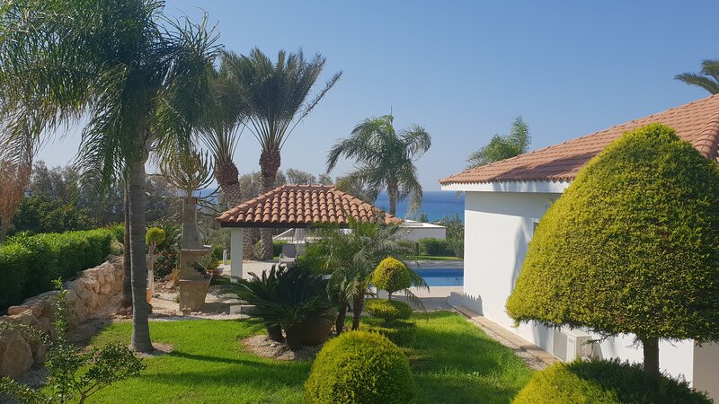 Secluded villa with unobstructed seaview - Bananorama villa, holiday rental in Kissonerga