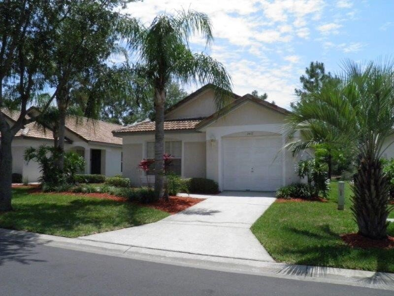 Luxury 3BR/2BA Villa With South-Facing Pool & Golf View, vacation rental in Haines City