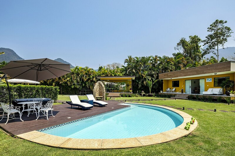 Ang010 - Beautiful 6 bedroom house in Porto Frade, vacation rental in Frade