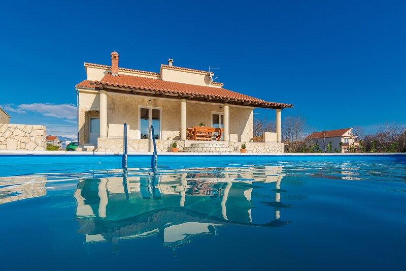 Villa Paola Privlaka, holiday rental in Privlaka
