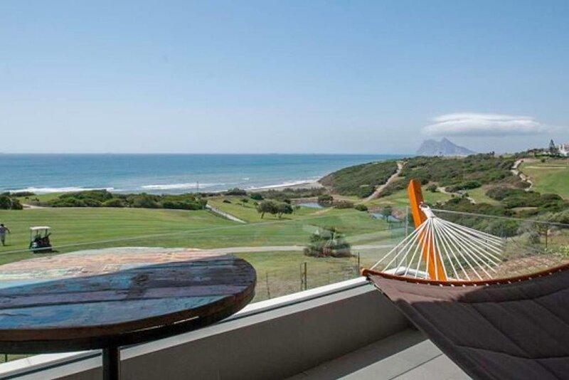 Front Line Beach - Golf Costa del Sol - San Roque Spiritbnb, alquiler vacacional en La Línea de la Concepción