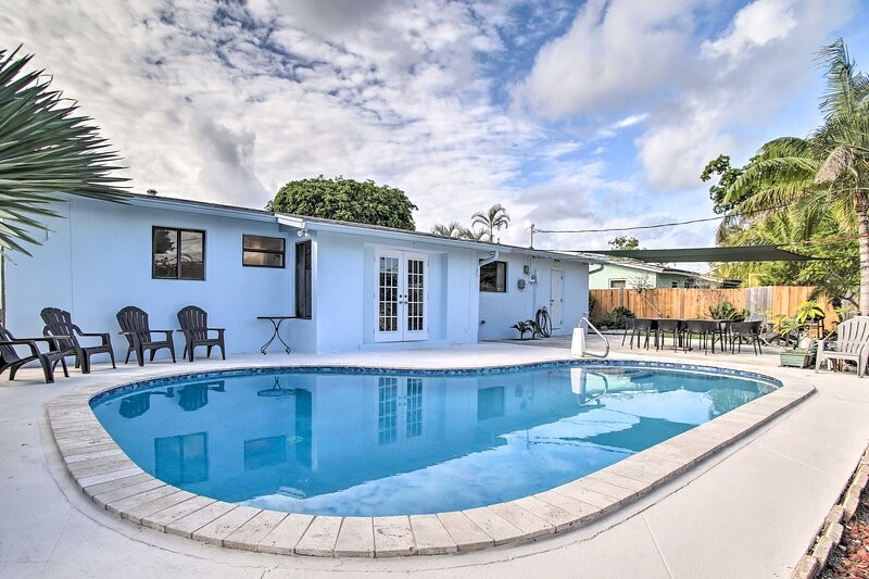 NEW! Airy Coastal Home - 3 Mi to Deerfield Beach!, location de vacances à Lighthouse Point