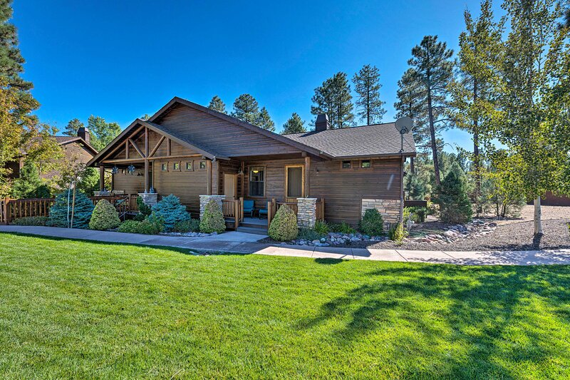 NEW! Show Low Townhome - 3 Mi to Fool Hollow Lake!, vacation rental in White Mountain Lake