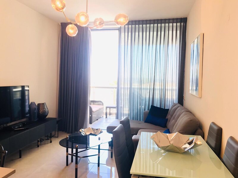 Stylish 1 bedroom in city center, holiday rental in Kfar Adumim