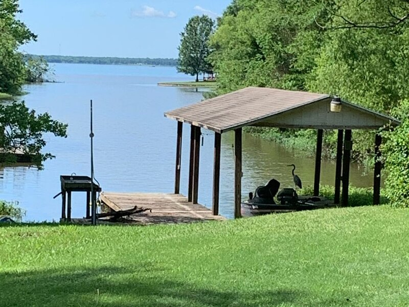 Corry's Guest House Lake Fork Waterfront, aluguéis de temporada em Yantis