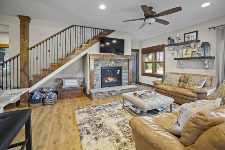 Foxhead- Mountain Cabin in Quiet Prestigious Community/PERFECT for Family & Frie, location de vacances à Lake Fork