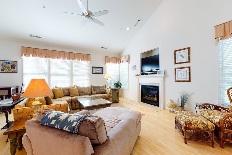 Bear Trap Dunes 2nd floor condo w/ free WiFi, basketball court, and gym, holiday rental in Millville