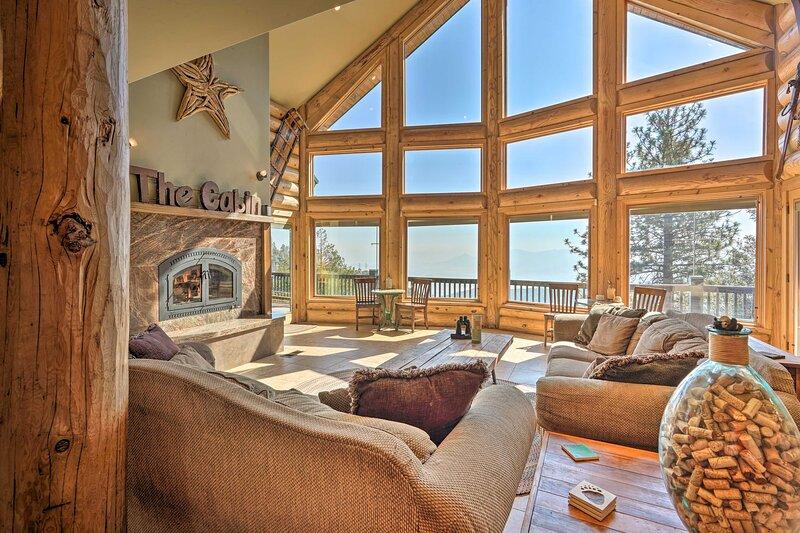 NEW! Stunning West Coast Cabin: Ski, Hike & Bike!, holiday rental in Bodfish
