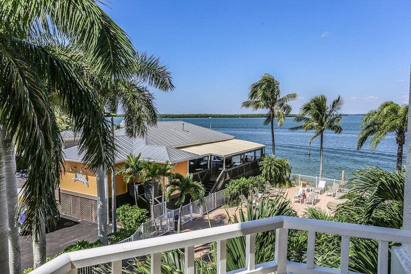 A romantic get-a-way is waiting for you here at Lovers Key Resort 206, holiday rental in Estero