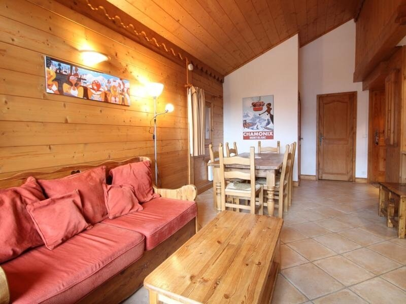 4pièces 8pers : wifi, parking face au spa & ski bus, vacation rental in Scionzier