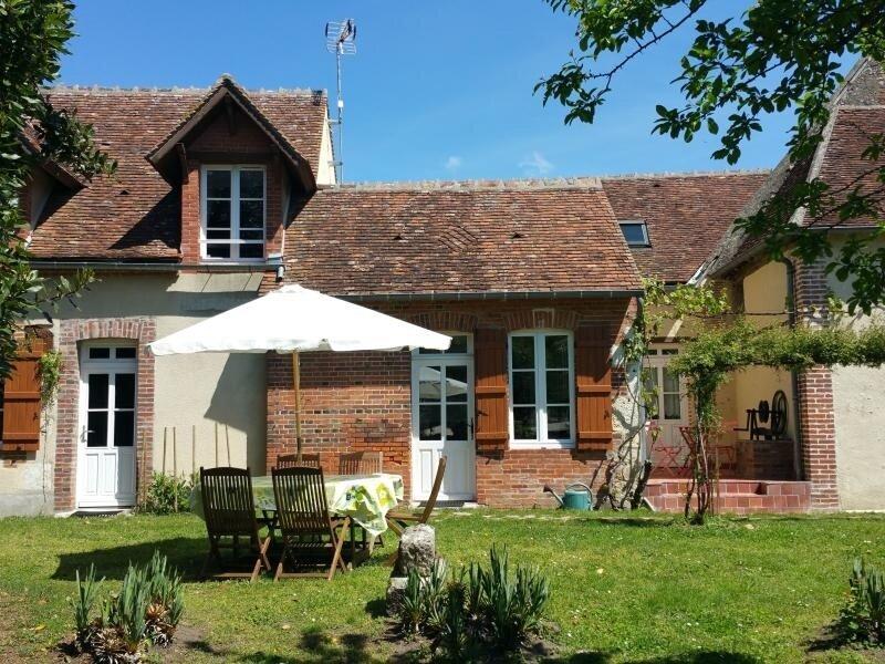 Maison indépendante avec jardin clos, vacation rental in Ousson-sur-Loire