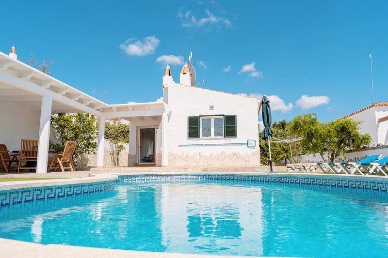 Wonderful Villa Near the Beach, Private Pool, Air-conditioning, WIFI, location de vacances à Son Vitamina