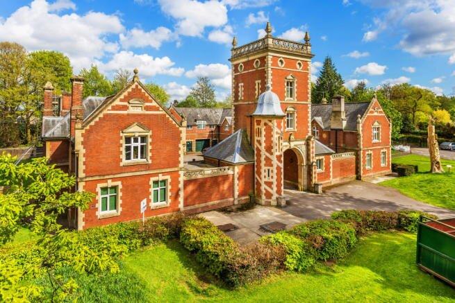NEW Stunning 3 Bedroom Period Property Sussex, Ferienwohnung in Dorking