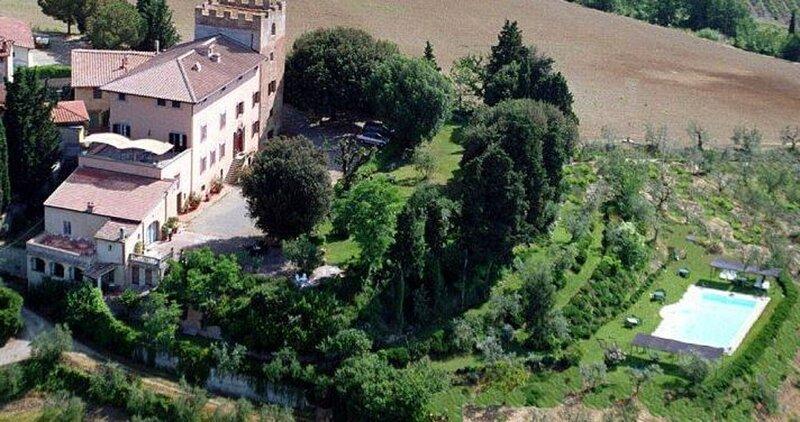 THE GRAND LUXURY TUSCAN WEDDING IN VINEYARDS BETWEEN FLORENCE & SIENA, vacation rental in Lucardo