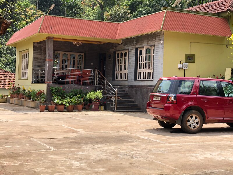 Seethal Homestay-One of the Best Homestay in Chickmagalur, holiday rental in Mallandur