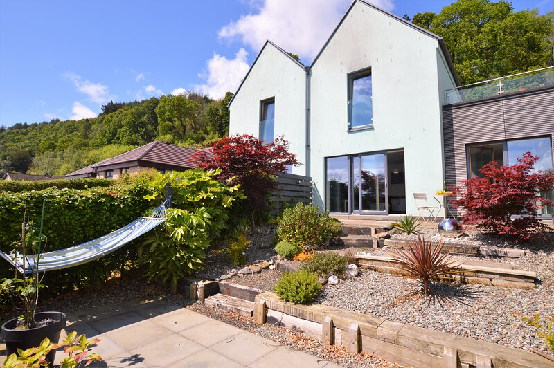Tigh Na Cladach, shore front location, pet friendly, Ferienwohnung in Dunoon