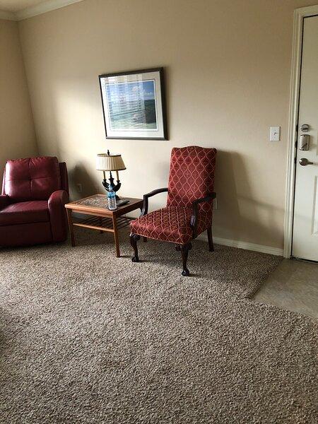 Modern, clean one bedroom, vacation rental in Allen
