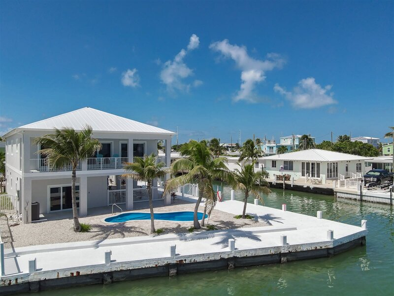 Swept Away 3bed/2bath brand new with open water views, private pool & dockage, holiday rental in Grassy Key