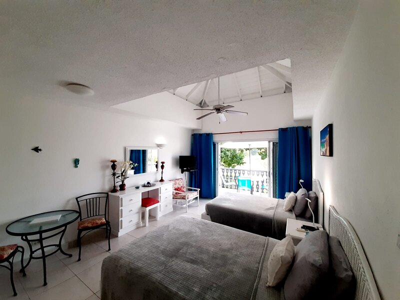 Great Studio located on South Coast, casa vacanza a Rockley