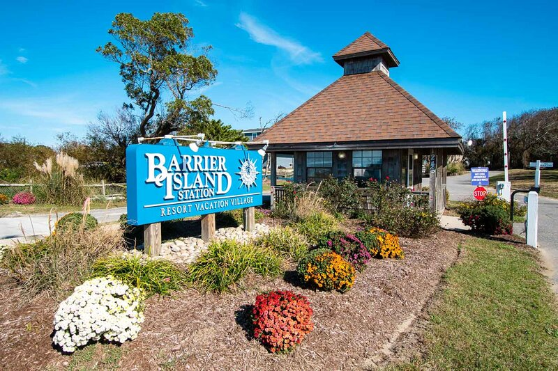Barrier Island Station 1BR Suite - SUNDAY Check-in, holiday rental in Duck
