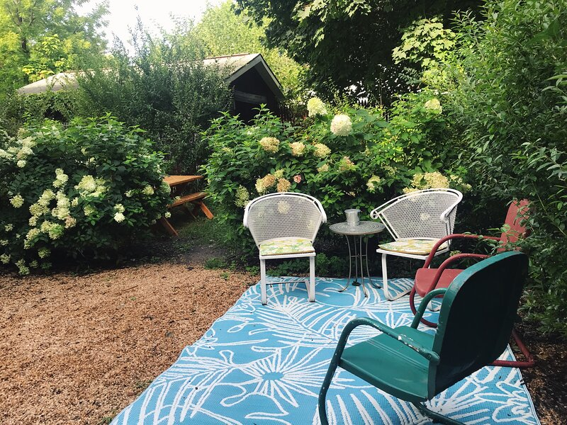 Mrs. Pleasant's Plant Based B + B, vacation rental in Columbiaville