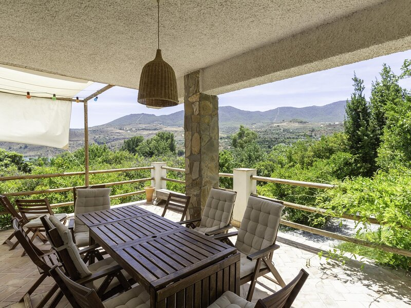 Beautiful house in the Valley with large pool, garden and views – semesterbostad i Pinos del Valle